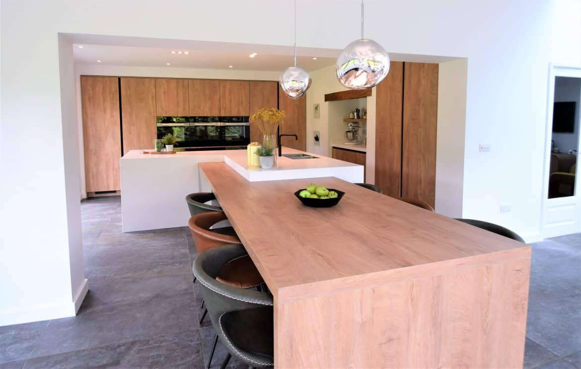 Warm Oak Kitchen