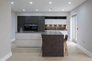 Modern Glossy Kitchen With Dark Finish