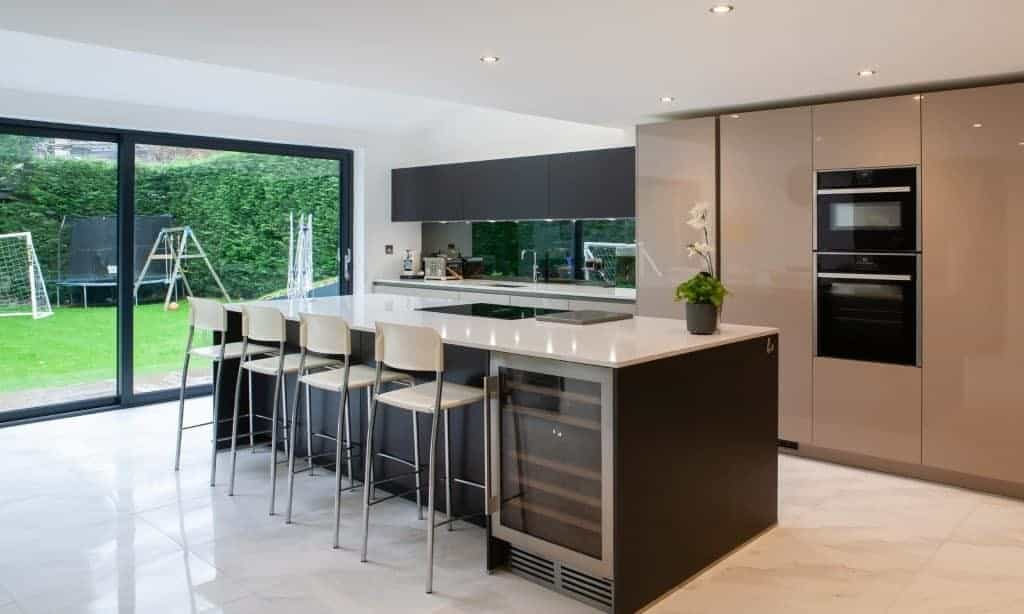 Modern Kitchen With Island and Glossy Finish