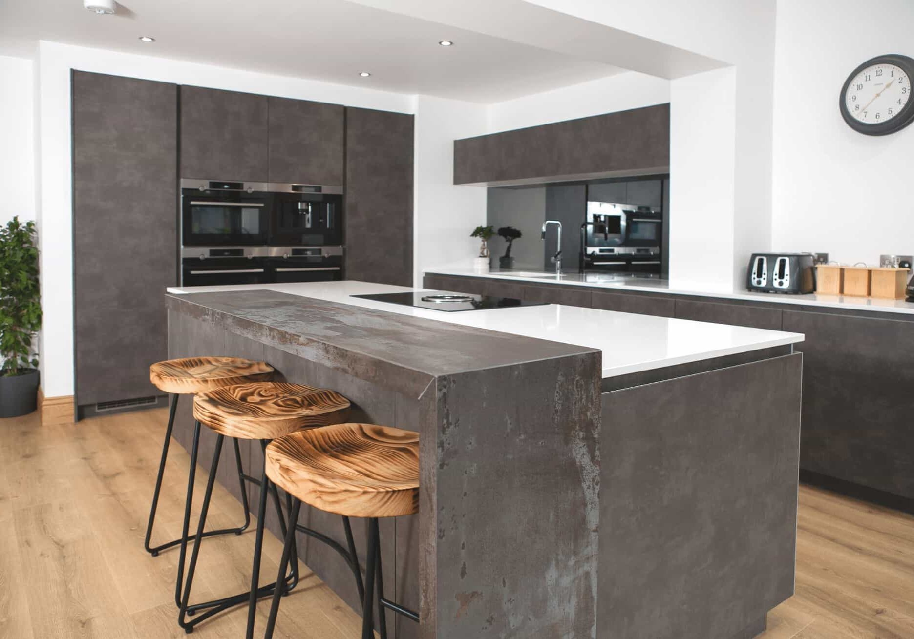 Grey and oxide handleless kitchen